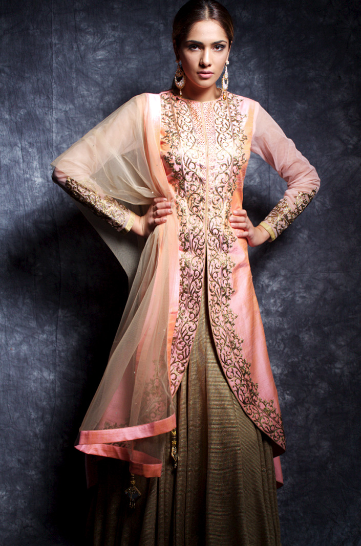 Asian Clothing, Patiala Suits, Salwar Kameez, Kurtis, Trousers Suits, Sari and Blouse, Pakistani Eid Designer Collection, Bollywood Collection, Boys and Girls Wear, Bridal Lehenga Choli, Bridal Saree, Birmingham Payals Collection 2016 now in store and avaible online in  a multitutude of sizes, fabrics and custom tailoring options for churidar suits, ,salwar kameez, bridal lehenga, jewellery, lehenga choli, saree lehenga , printed designer hand made sarees ,daily wear sari, salwar suits, casual, printed, kurtis, sherwanis, kurtas, semi stiched, anarkali suit, sari, ladies bridal saree to include dress material, bollywood collections, purses, clutch bags.Payals Boutique offer traditional and contemporary Indian Bridal .Indian silks, Saree by Payals and a unique Payals Lengha Collection.Payals Bridal Online Store, an expert design house for high end quality Indian wedding outfits. Payals Boutique_Indian Bridal.